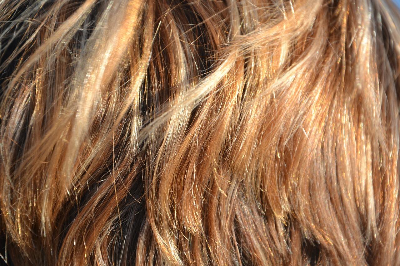Jak zadbać o włosy farbowane?