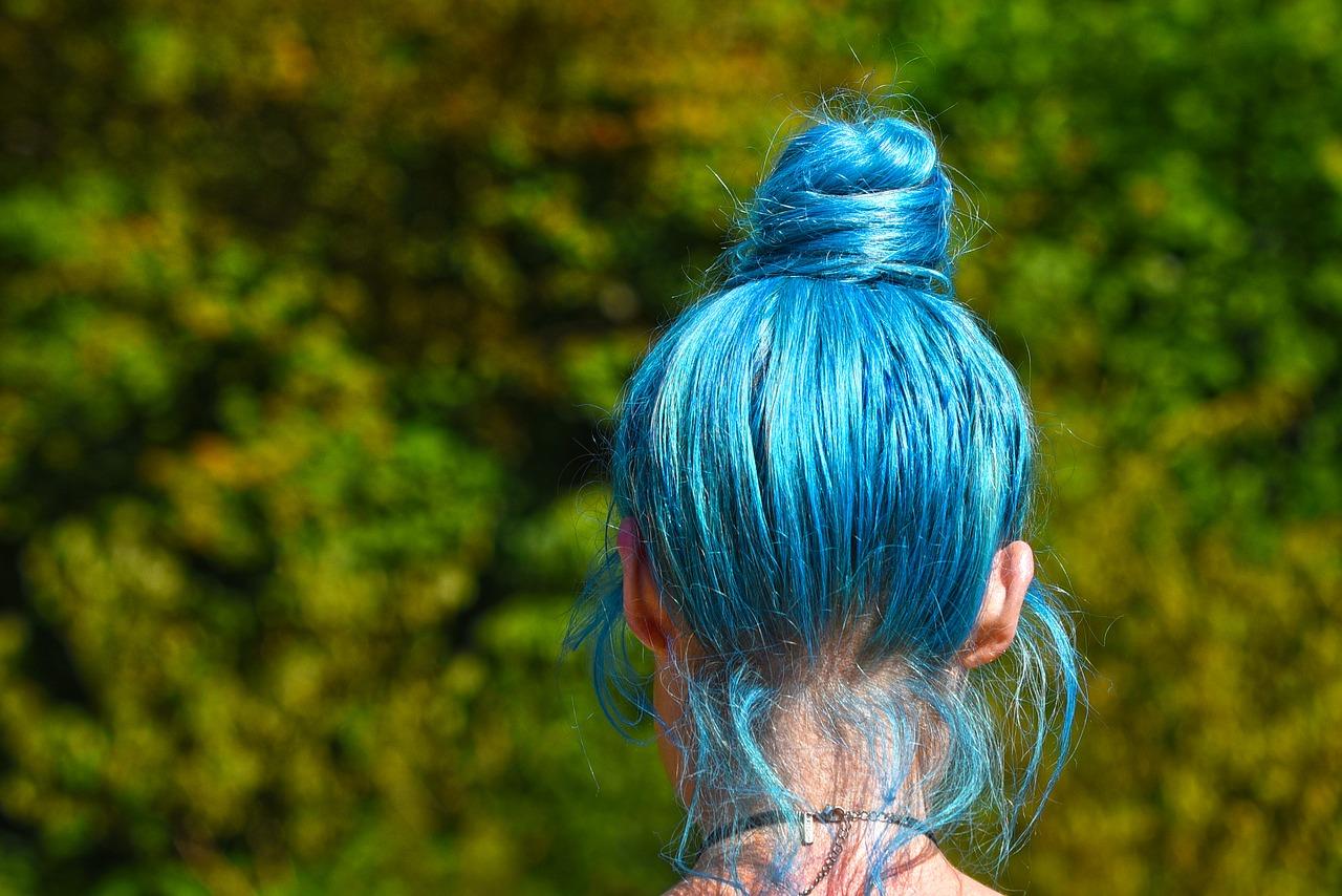 Kosmetyki dla włosów farbowanych? Jak dobrze wybrać?