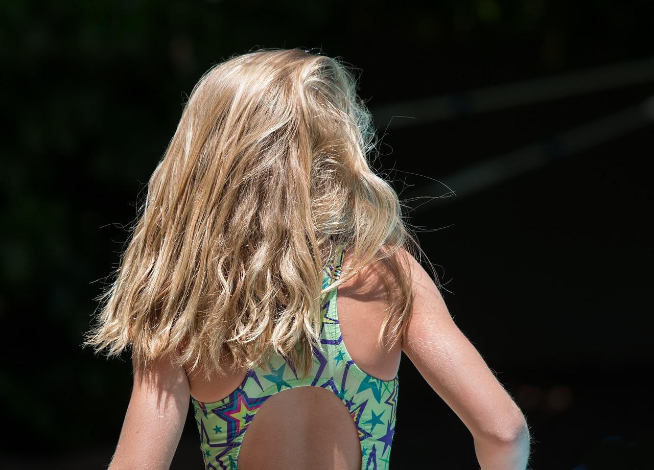 Przetłuszczające się włosy jak temu zaradzić?