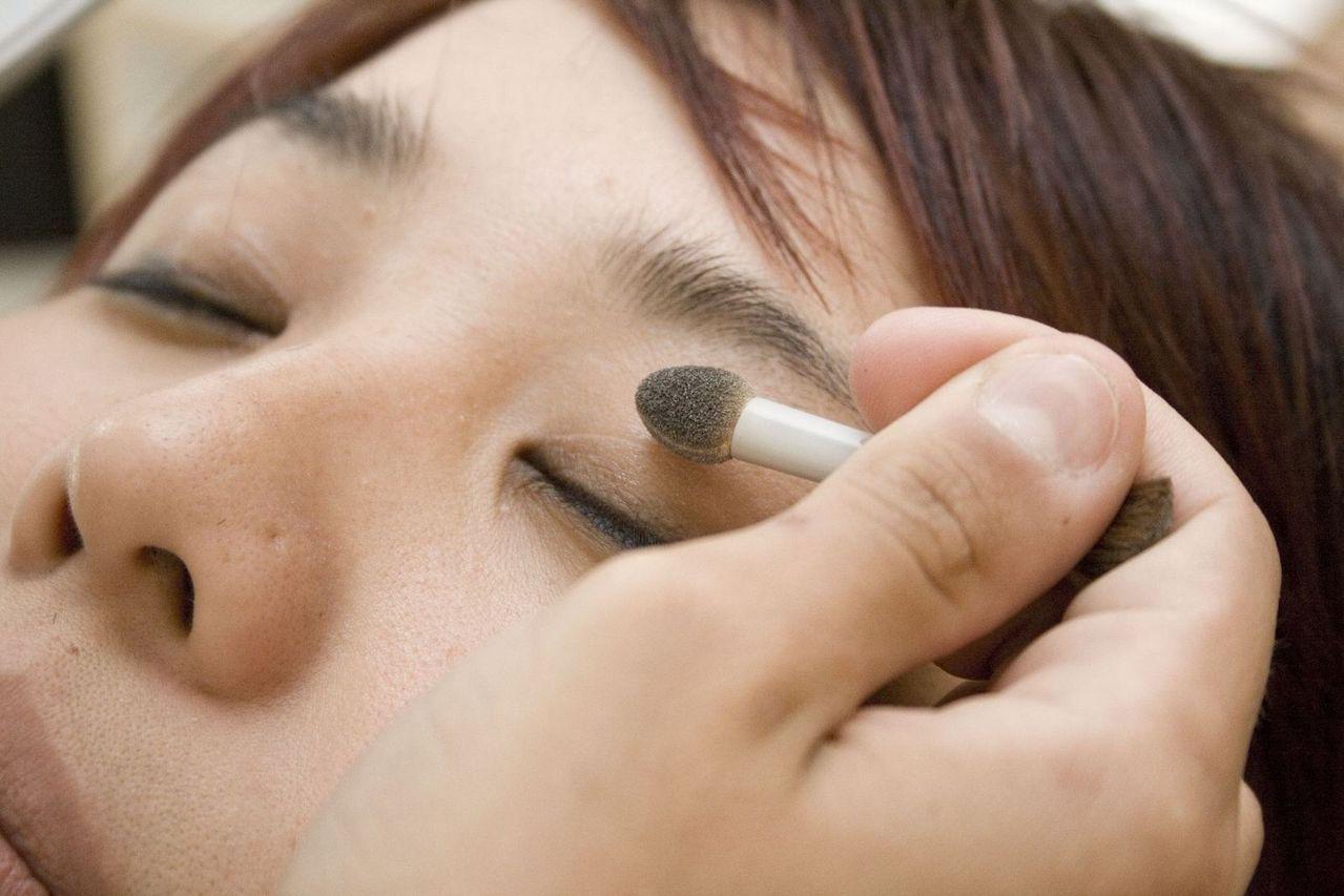 Ile czasu trwa edukacja kosmetyczki?